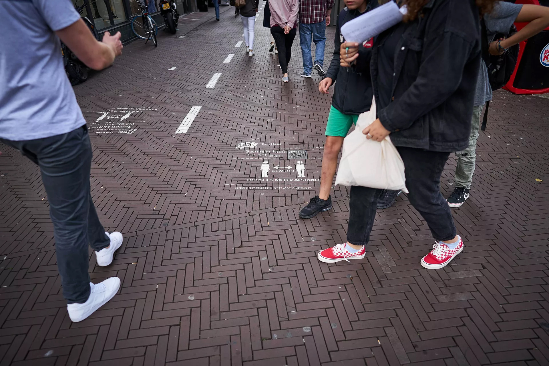 Straatmarkering afstand houden